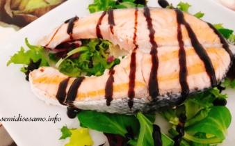 Salmone scottato con glassa di aceto balsamico 1