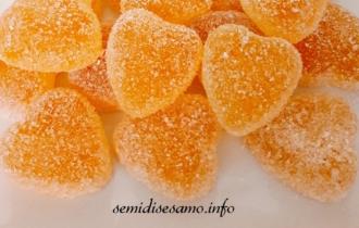 Caramelle gommose alla frutta fatte in casa